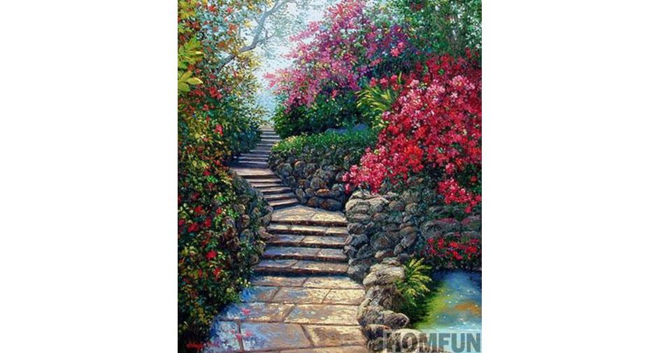 trappa omgiven av blommor